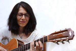 Web developer Anthea also plays guitar and appreciates her new Perfect Piece HD progressives which are super versatile.