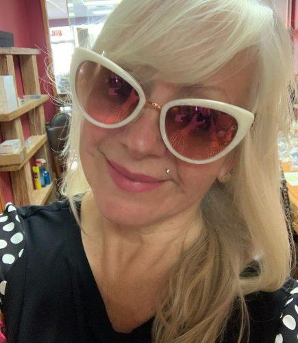Optician Peggy Fox enjoys fabulous fun in Woow - Italy sunglasses